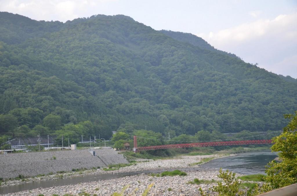 きゅーりさんが撮した赤橋の別ショット
