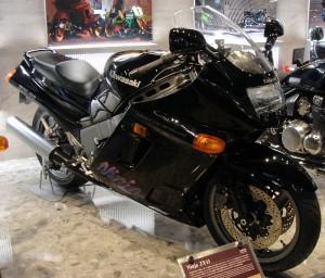 ZZR1100