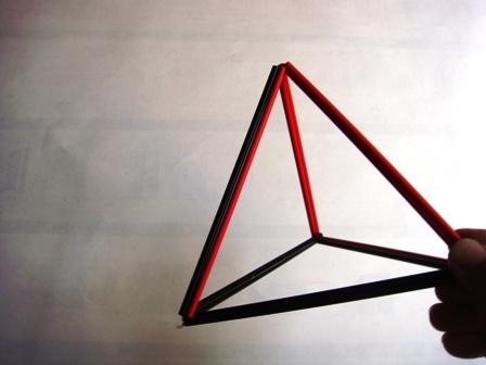 三角の立体も安定する